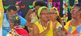 Baile de carnaval reforça a inclusão de idosos e pessoas com deficiência em SL