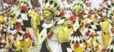 Escolas de samba e blocos tradicionais levam brilho e alegria à Passarela do Samba