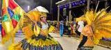 Beleza e alegria na Passarela do Samba durante desfile das escolas e blocos
