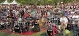 Mil fãs tocam Foo Fighters para sensibilizar a banda a fazer show na Itália
